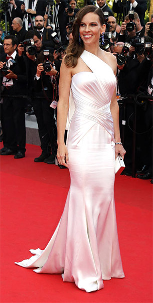 Hilary Swank in Atelier Versace