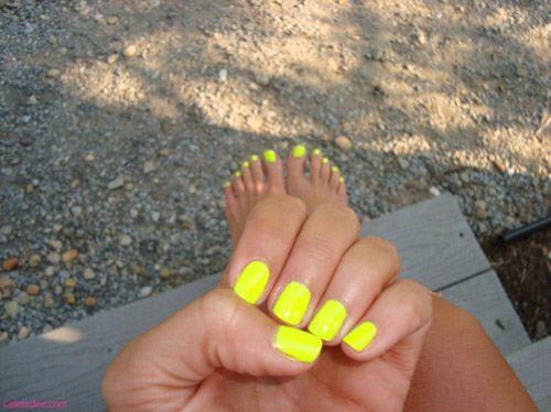Yellow Neon Nails