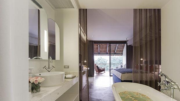 ห้องพัก River View Deluxe Balcony - โรงแรม เชียงใหม่