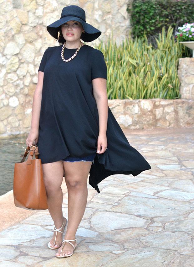 แฟชั่น Plus Size - ชุดเดรสดำ กางเกงยีนต์ขาสั้น หมวกปีกบานดำ