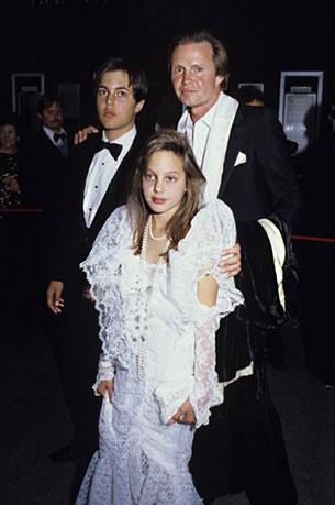 Angelina Jolie, Jon Voight, James Haven