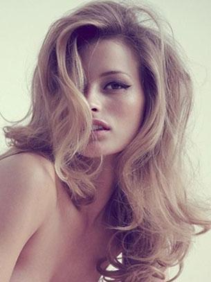 ผมลอน Flavia Lucini Model