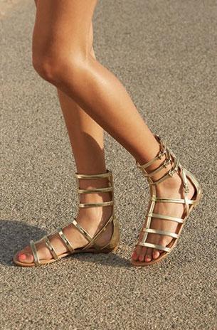 รองเท้าหุ้มข้อ Gladiator สีทอง