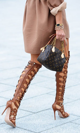 รองเท้า gladiator ส้นสูง สีน้ำตาล