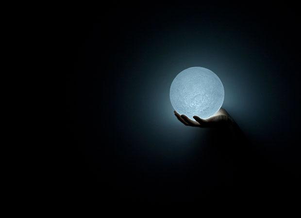 โคมไฟดวงจันทร์