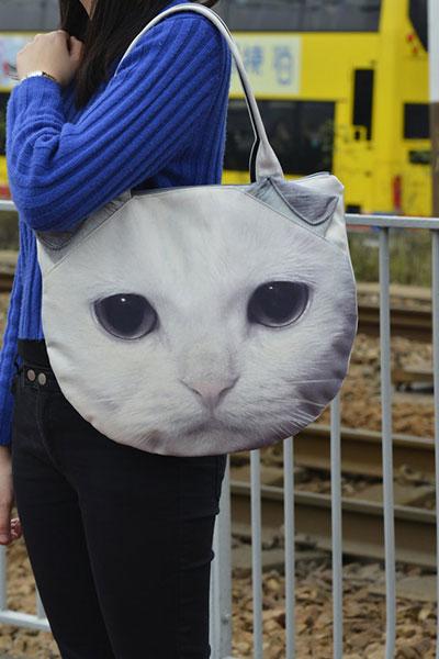 กระเป๋า แมวขาว