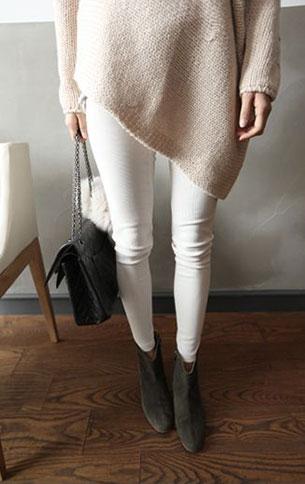 กางเกงยีนส์ขาว สเวตเตอร์ครีม