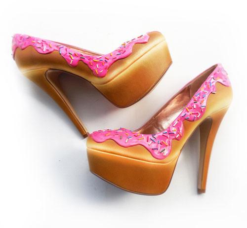 รองเท้าส้นสูง เค้ก สีชมพู