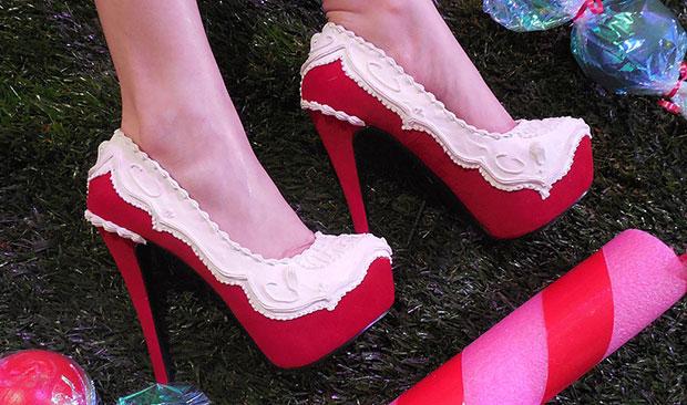รองเท้าส้นสูง เค้ก แดง