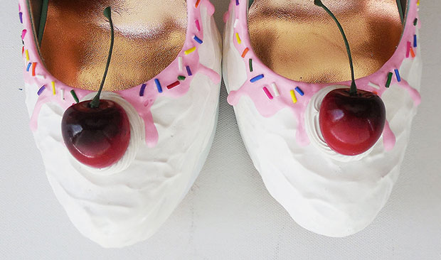 รองเท้าส้นสูง ไอศครีม