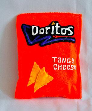 หมอน Doritos