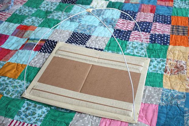 ไม้แขวนเสื้อ Tent แมว