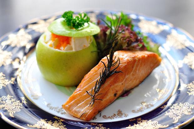 Himalayan Grilled Salmon with Apple Salad