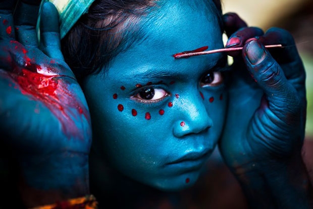 National Geographic Photo Contest 2014 Merit Prize - Divine Makeover