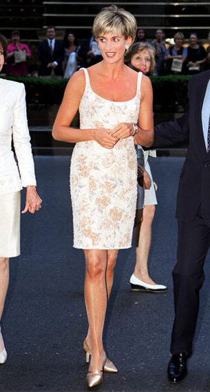 Princess Diana - รองเท้า Jimmy Choo