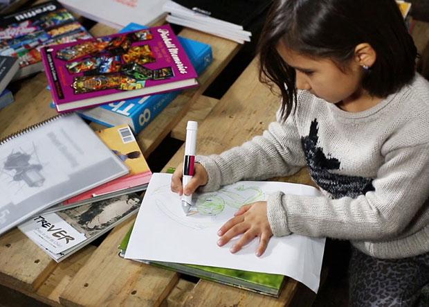 Scribble ปากกาดูดสี เขียนบนกระดาษ
