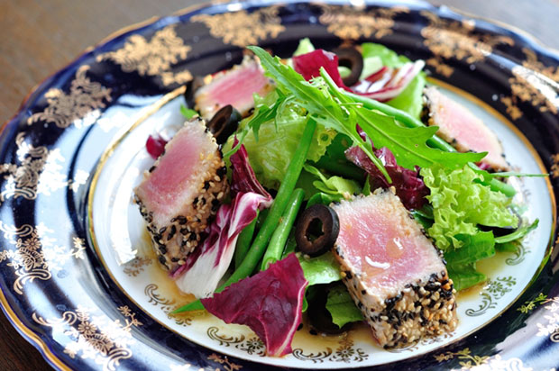 Seared Tuna with Sesame Salad with Balsamic Sauce