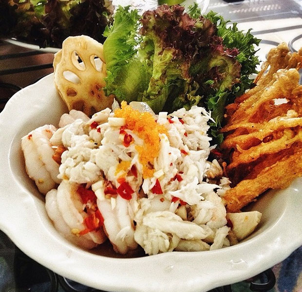 Spicy Crab Meat and Shrimps with Lotus Roots Salad