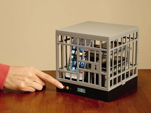 กรงขังมือถือ Cell Lock-Up
