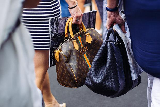 กระเป๋าหลุยส์