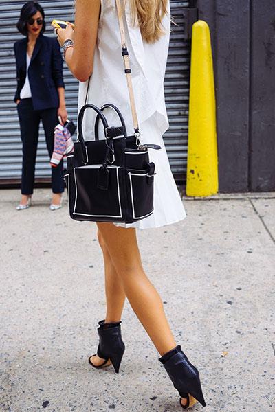 กระเป๋า น่ารัก สีดำ