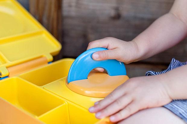 กล่องข้าวสำหรับเด็ก มีจับเปิดได้ง่าย