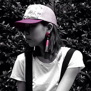 ต่างหูแท่งลิปสติก สีชมพู