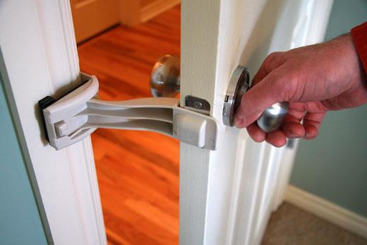 ที่ง้างประตูให้แมวเข้าออก