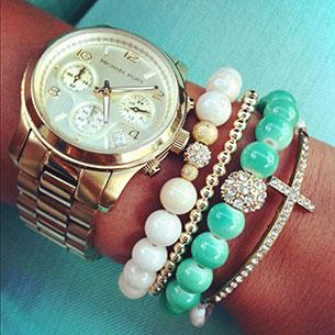 นาฬิกา Michael Kors สร้อยข้อมือลูกปัดขาวเขียว