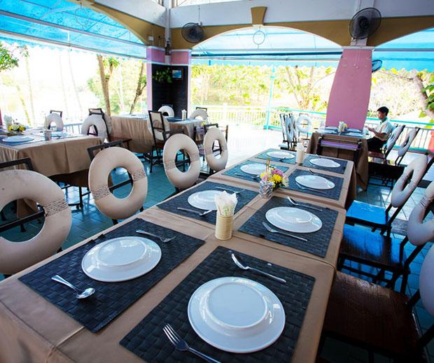 ร้านอาหาร The Cove