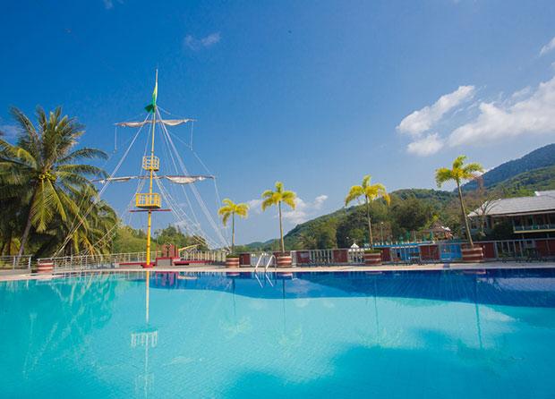 สระว่ายน้ำ Sundeck Pool
