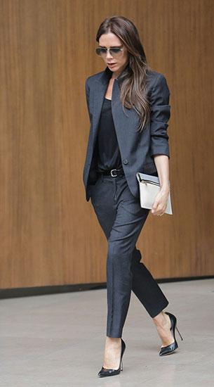 เสื้อคลุมดำเทา กางเกงดำเทา