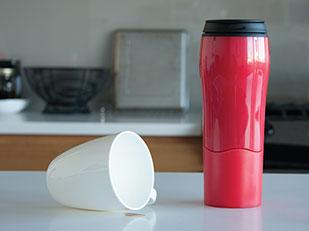 แก้วกาแฟยกได้ ล้มไม่ได้ Mighty Mug
