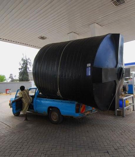 แอฟริกา รถขนท่อ เกินขนาด