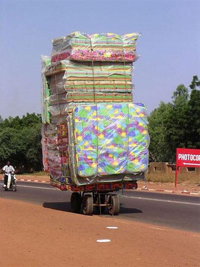 แอฟริกา รถขนฟูก เกินขนาด