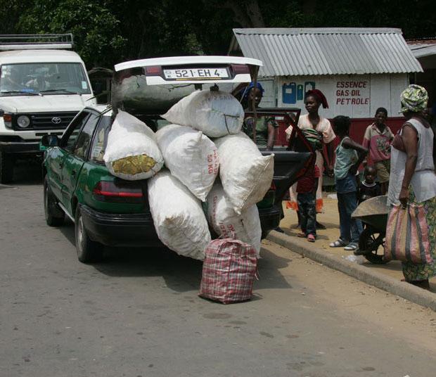 แอฟริกา รถยนต์ขนของเกินขนาด