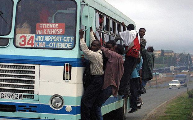 Africa รถเมล์ขนคน เกินจำนวน