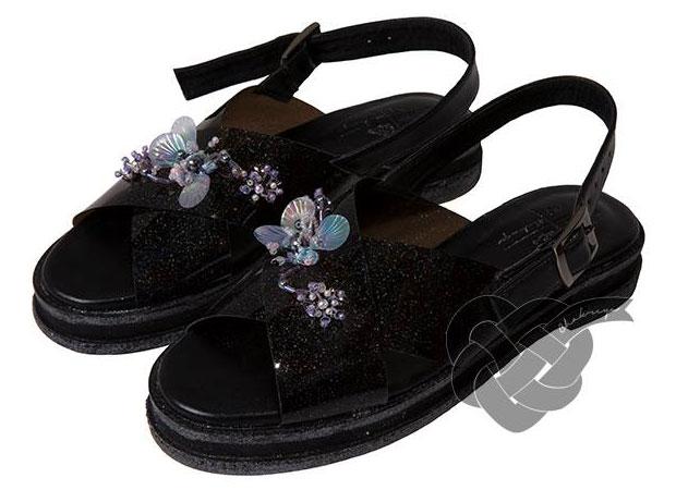 รองเท้า สีดำ