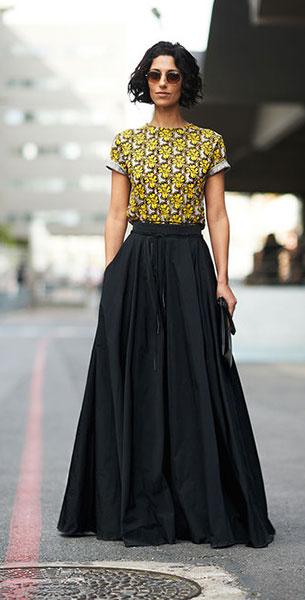 กระโปรง Maxi สีดำ เสื้อสีเหลือง ลายพิมพ์ Yasmin Sewell Paris Fashion Week Spring Summer 2014 Street Style