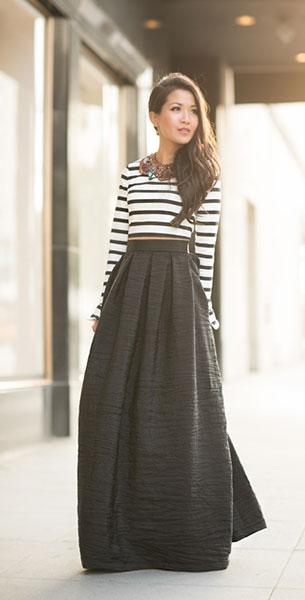 กระโปรง Maxi Vivian Chan สีดำ เสื้อ Zara รองเท้า Jimmy Choo กระเป๋า Chanel