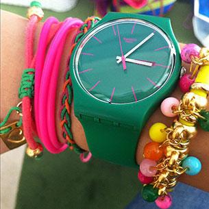 นาฬิกา Swatch กรอบเขียว หน้าปัดเขียว สายเขียว เข็มขาว ตัวเลขม่วง