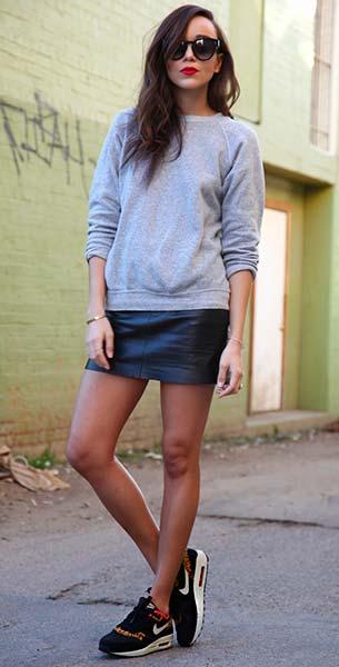 รองเท้า Nike กระโปรง Zara สเว็ตเตอร์ Vintage แว่นตากันแดด Celine