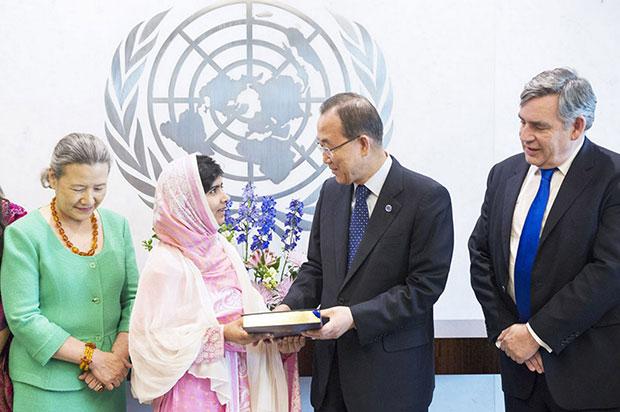 รางวัลโนเบล สาขาสันติภาพ 2014 มะลาละห์ ยูซัฟซัย