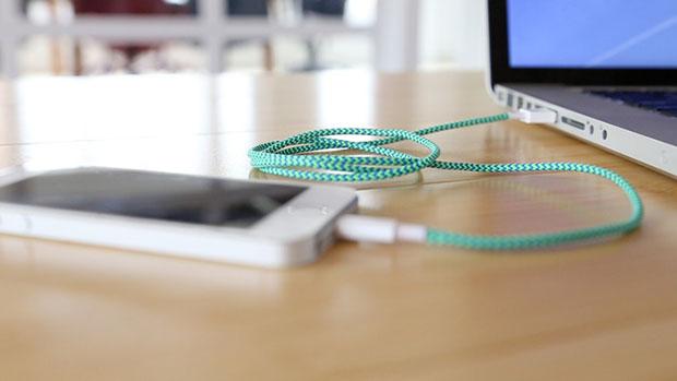 สายชาร์จ USB แบบเสียบได้ 2 ด้าน