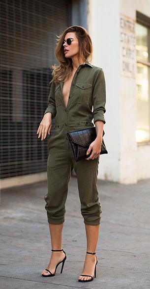 เสื้อแฟชั่นแนวทหาร Etoile Isabel Marant แว่นตากันแดด Ray Ban กระเป๋า Givenchy รองเท้า Saint Laurent