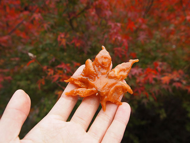 ใบเมเปิลทอด อาหารญี่ปุ่น โอซาก้า