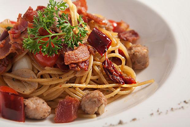 Our Famous Garlic & Chilli Spaghetti