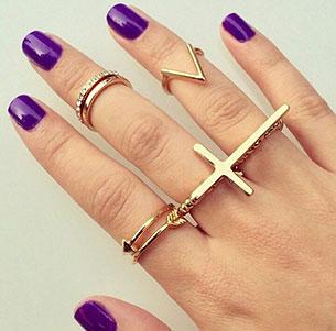 แหวนไม้กางเขน ลูกศร