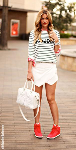 Skort Zara เสื้อ Madewell สเว็ตเตอร์ Asos รองเท้า Nike กระเป๋า Rebecca Minkoff นาฬิกา Chanel