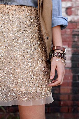 กระโปรงปักเลื่อม Zara เสื้อเชิ้ต Lucky Brand แจ๊คเก็ต Azalea Boutique รองเท้าบู้ท L.L. Bean Signature นาฬิกา Timex